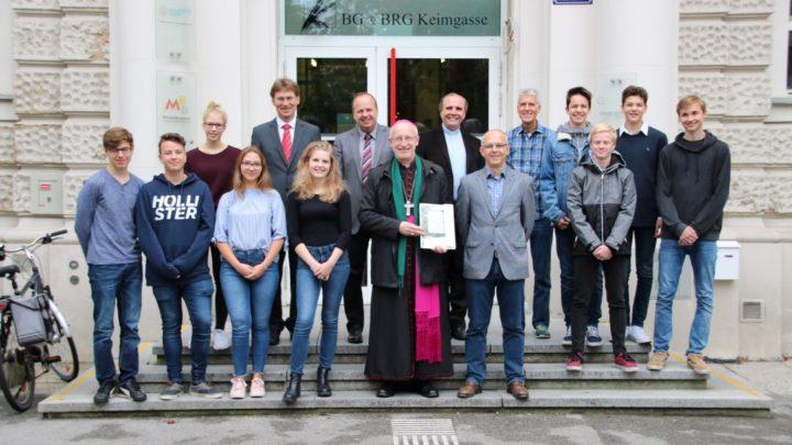Schulvisitation Weihbischof Scharl